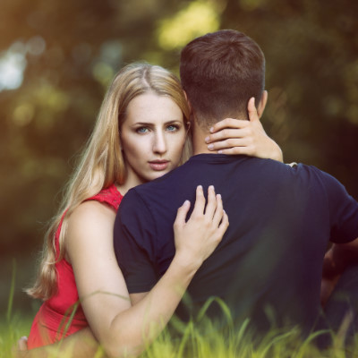 夢占いで好きな人が他の女性と付き合う夢を見て起こることは?