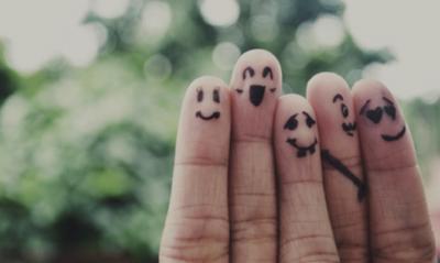 爪の白い点の意味!幸運の種類は指で違う?理由を体験談と共に解説