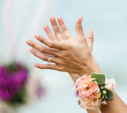 爪の白い点が薬指に出る意味!結婚運や人気運が急上昇の理由を解説